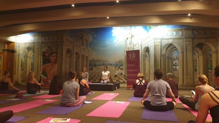 OM Yoga Show 2019 Balancing the Hrit Chakra workshop